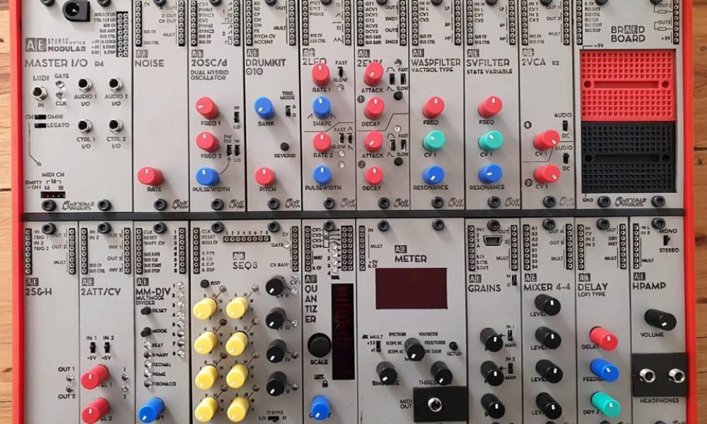 Synth Explorer Ultimate: учебный модульный синтезатор от Tangible Waves