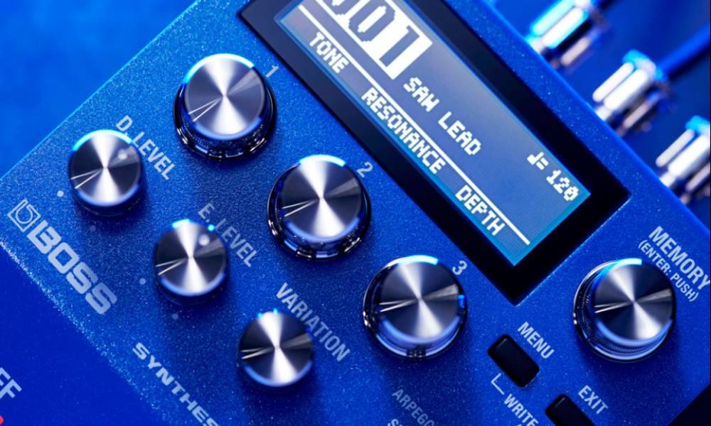 Boss CY-200 - полифонический гитарный синтезатор в формате stomp-педали