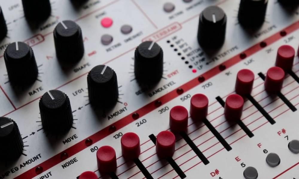 Flame Instruments Maander: синтезатор и фильтрбанк
