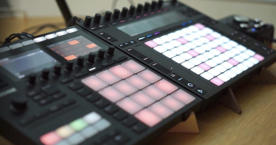 Native Instruments Maschine mk3 vs Ableton Push 2 (видео)